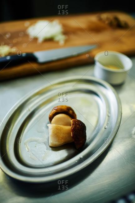 Mushroom hors d'oeuvre on platter
