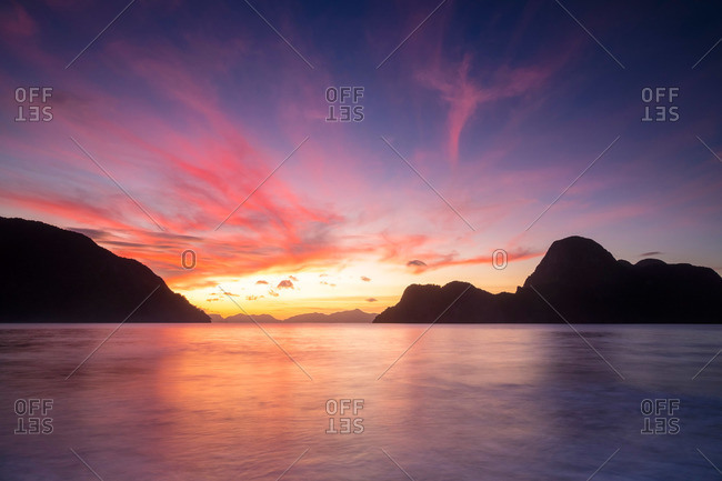 Bacuit Bay and Cadlao Island at sunset