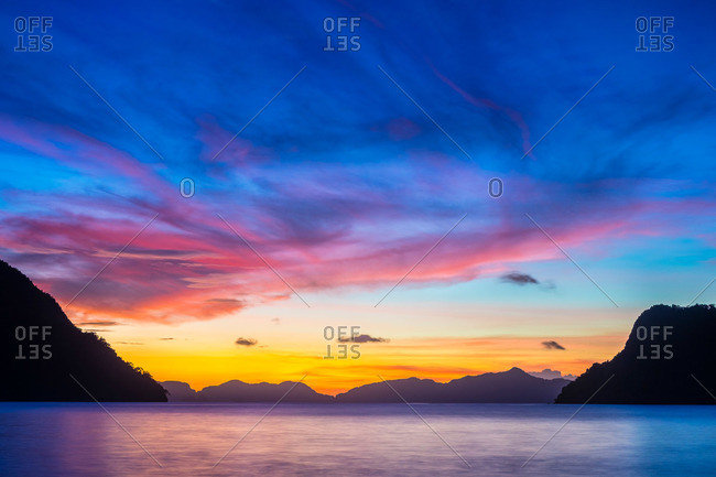 Colorful sunset over Bacuit Bay, El Nido, Palawan, Philippines