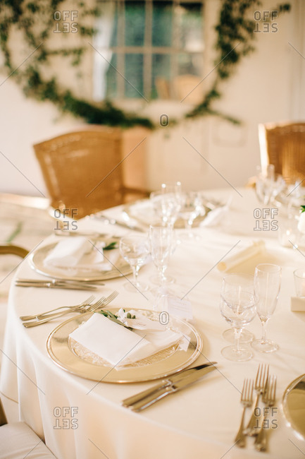 Sophisticated table setting for wedding guests