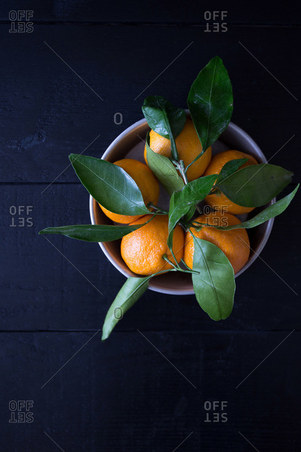 Satsuma citrus fruit in a bowl