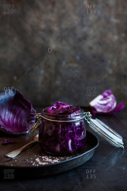Red cabbage in a clip jar