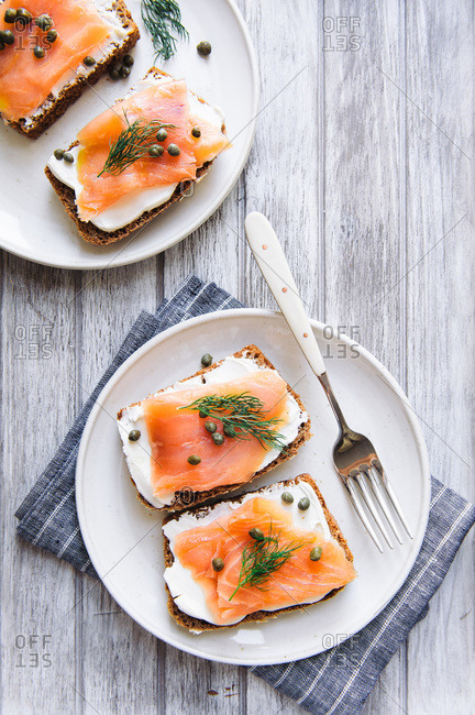 Smoked salmon with cream cheese and capers on toast