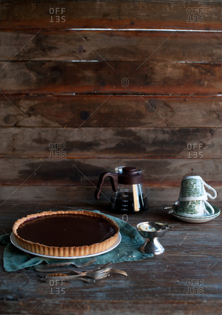 Chocolate tart with coffee