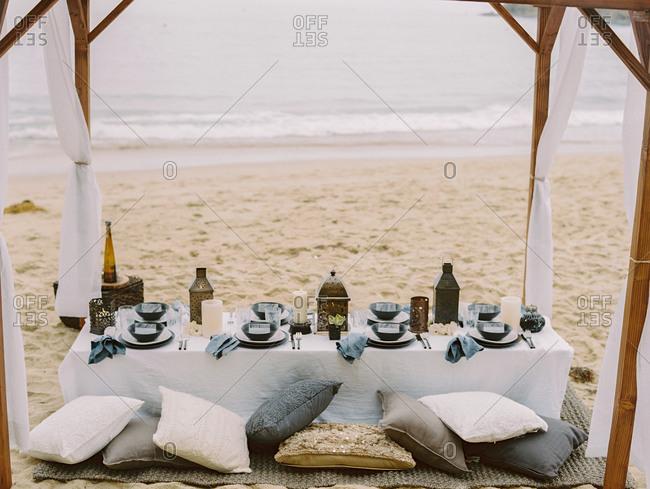 Beachside dinner party