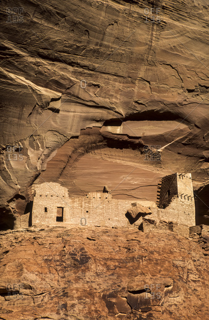 Canyon de Chelly National Monument Mummy Cave Ruin in Canyon del Muerto, Arizona