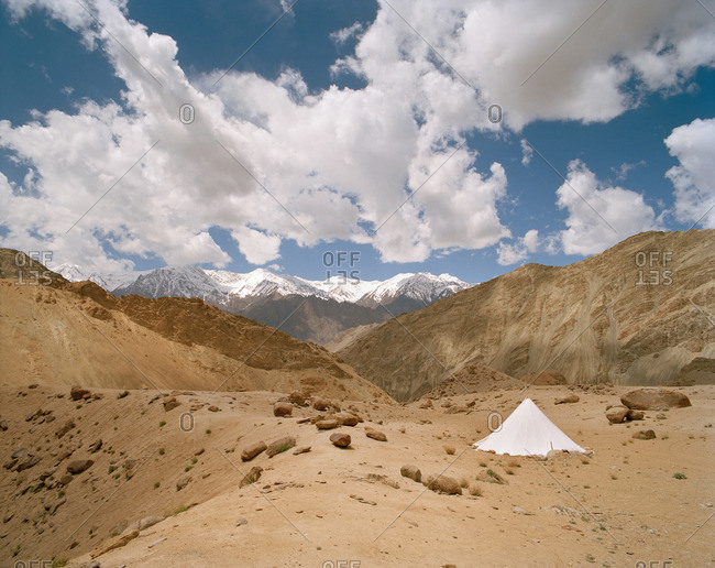 Tent of roadmen ahead Ladakh Range, near Sham Trek west of Leh, Ladakh, Jammu and Kashmir, India