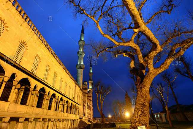 Sultan Ahmet mosque in the evening, Istanbul, Turkey