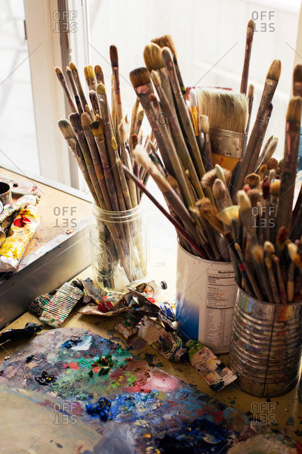 Paint brushes and tubes - Offset