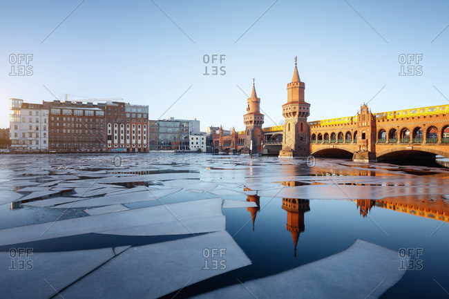 Berlin Oberbaumbr�cke Kreuzberg in the winter, Berlin, Germany