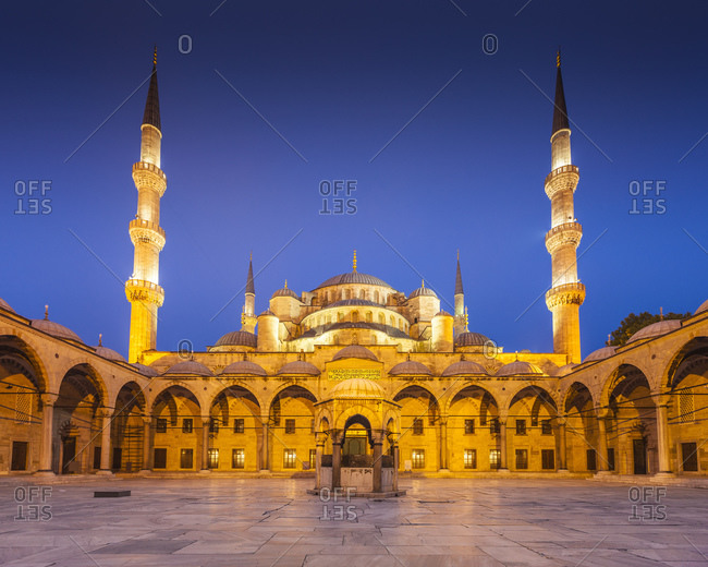 Sultanahmet Camii, Blue mosque in Istanbul, Turkey