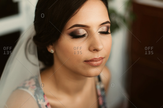 Portrait of bride with eye shadow