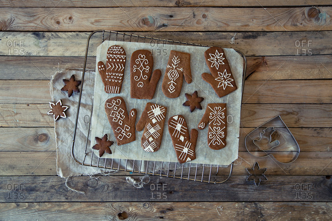 Gingerbread cookies and cutters
