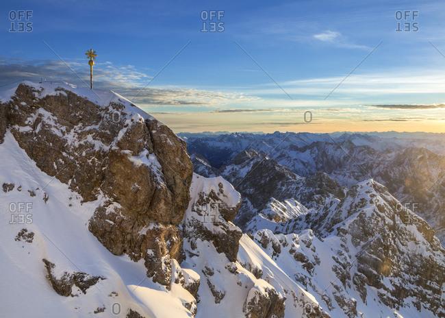 View on summit and Jubilaeumsgrat, sunrise on Zugspitze, sunrise on Zugspitze