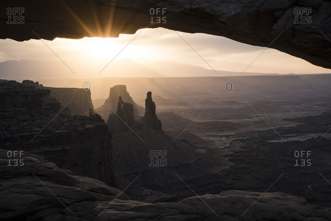 Sunrise over the Washer Woman tower in Canyonlands National Park, Utah