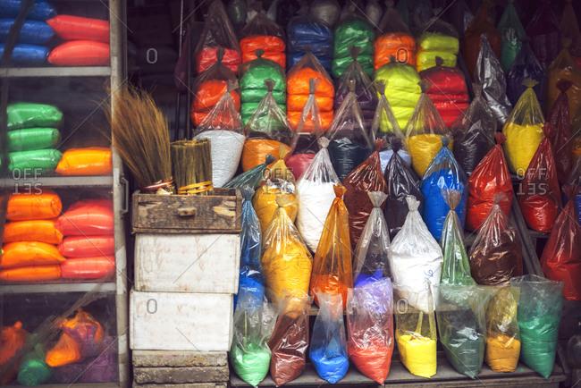 Bags of pigment in Vietnamese market