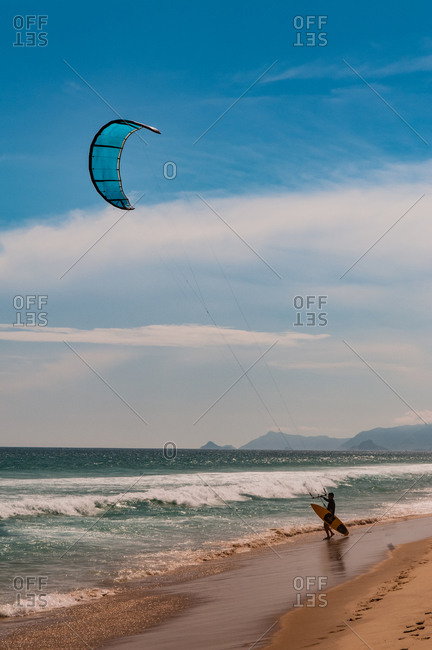 Man preparing to kitesurf