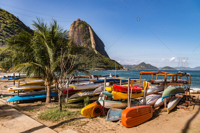 Canoes on the beach at Pao de Accuar