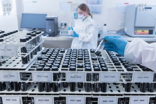 Batch samples of graphene nano material in graphene processing factory