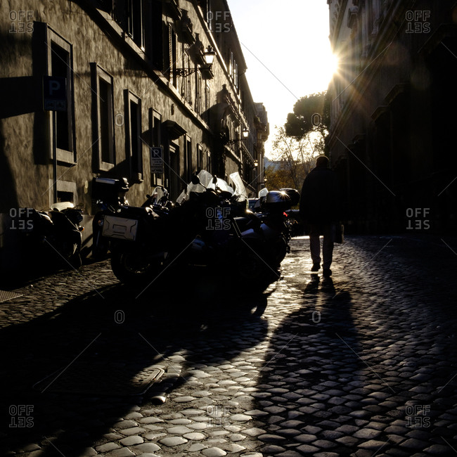 - April 5, 1904: Sun making shadows in Roman street
