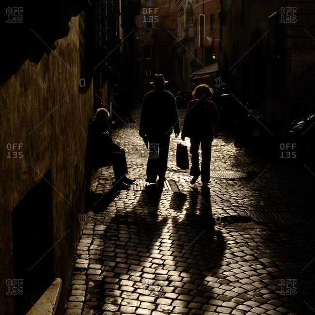 - April 5, 1904: Walking in shadows in Roman street