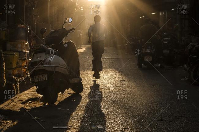 - April 5, 1904: Long shadow in street, Jodhpur, India
