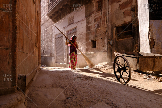 - April 5, 1904: Woman sweeping street, India
