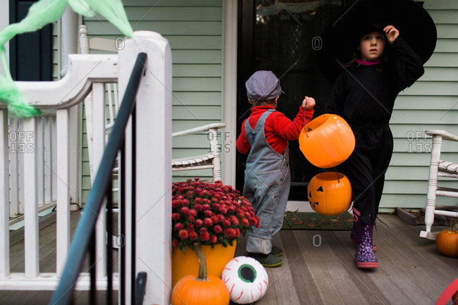 Children dressed up for Halloween trick-or-treating