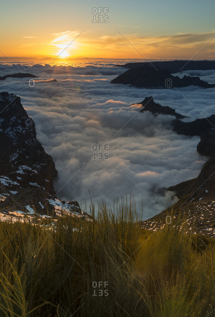 Portugal, Madeira, evening sun at Pico do Arieiro