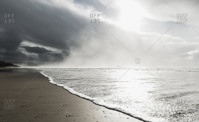 France, Bretagne, Finistere, Crozon peninsula, wave on the beach