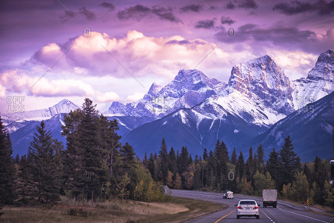 Sun sets in Banff National Park