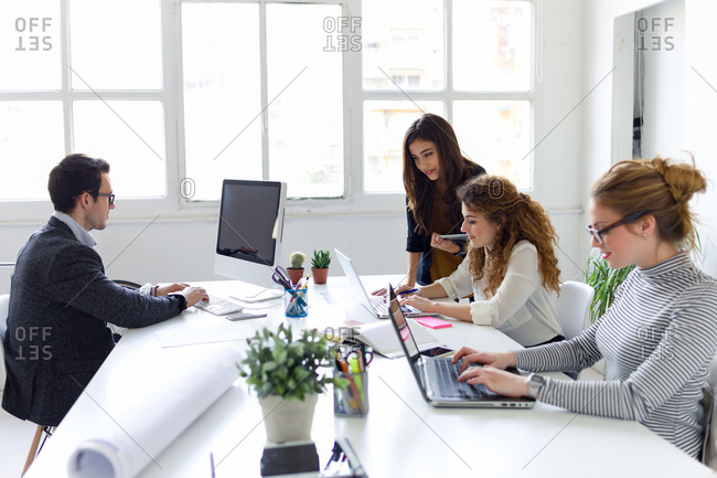 Using computer devices in meeting