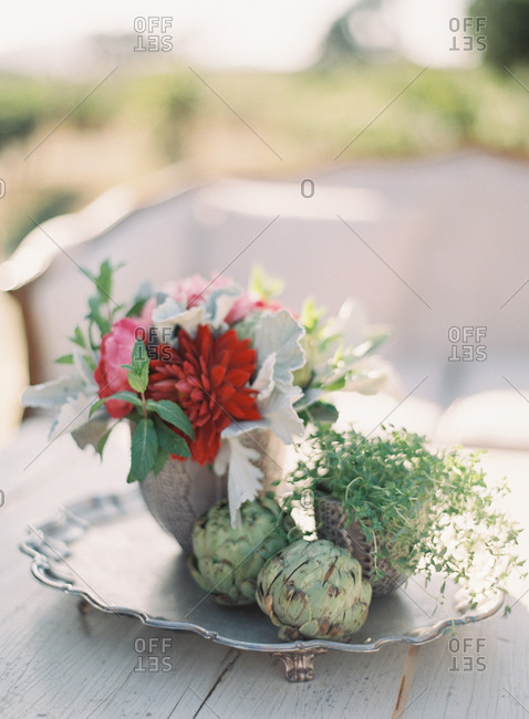 Serving tray with flowers and artichokes