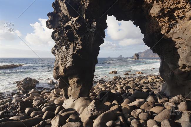 Rock arch, landmark, La Maceta, UNESCO biosphere reserve, El Hierro, Canary Islands, Spain