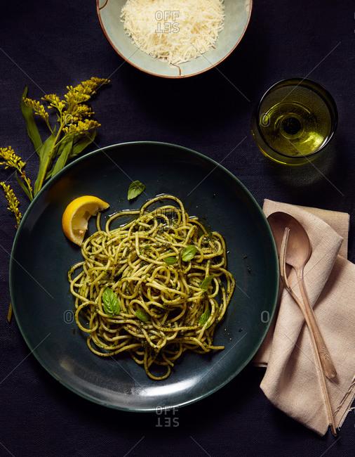 Pesto pasta dish