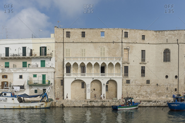 8/22/14: Buildings on waterfront in Italy