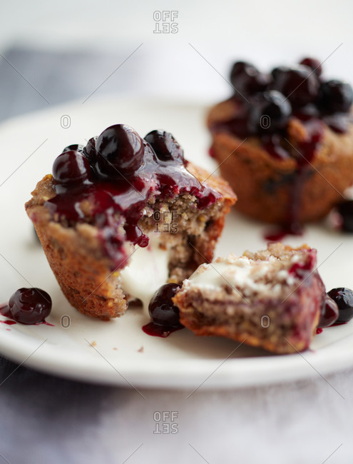 Blueberry muffin with blueberry topping