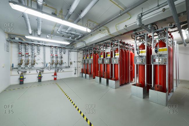 Fire extinguisher system, data storage in data warehouse