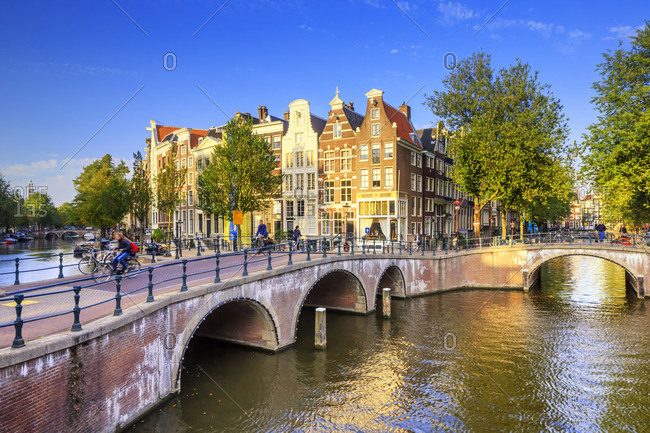Keizersgracht and Leidesegracht bridge and canals