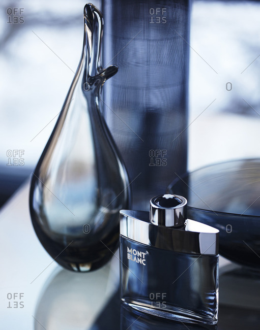 Mont Blanc fragrance bottle - Offset