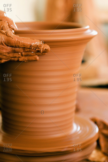 Le Jardin de la Reine pottery