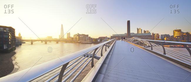 Bridge spanning over the Thames