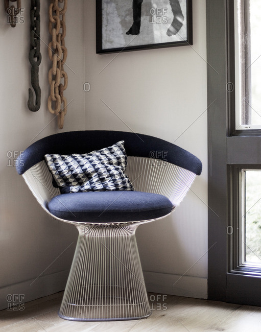 July 6, 2014: Platner style wire frame chair