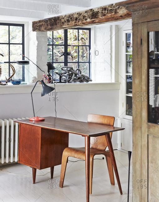 September 23, 2014: Modern desk in home alcove