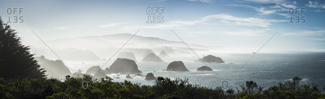 USA, California, rock formations at Highway 1