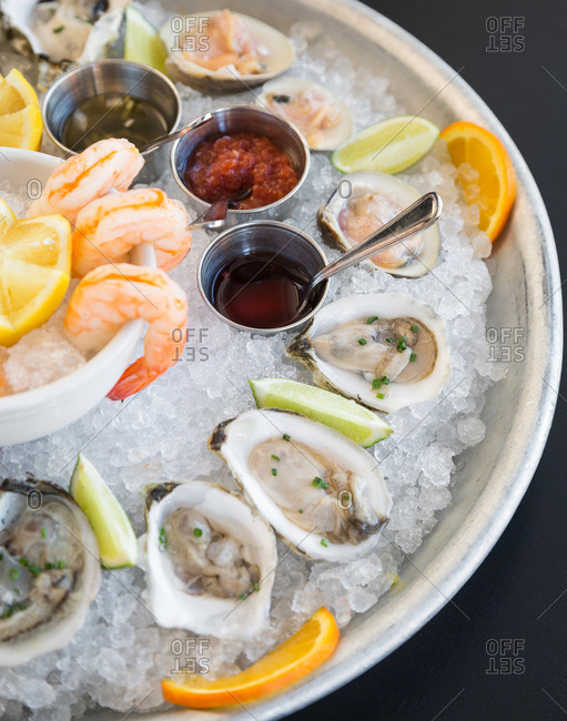 Fresh shellfish platter