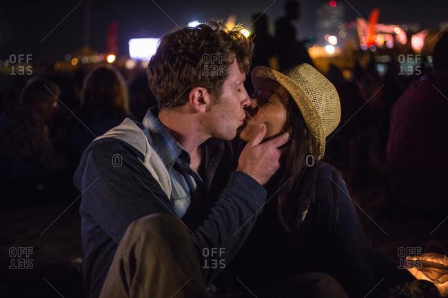 Couple kissing, Santa Monica Pier, Santa Monica Beach, US