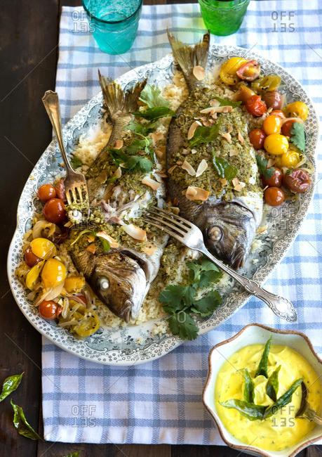 1154dac3fbc fish curry stock photos - OFFSET