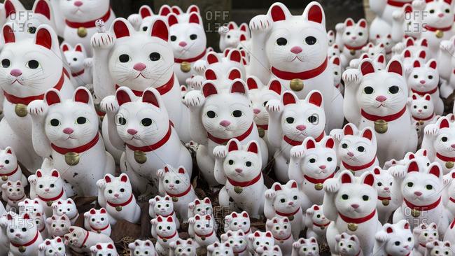 Beckoning cat figurines, Tokyo