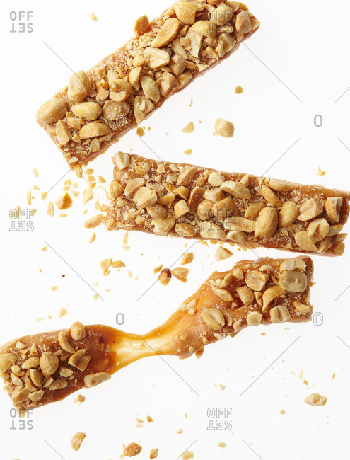 Peanut caramel dessert bar